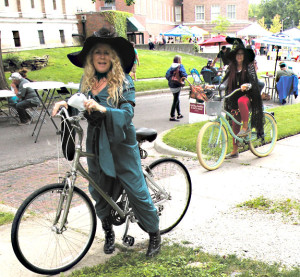 Witches-on-bikes-DSCN0028